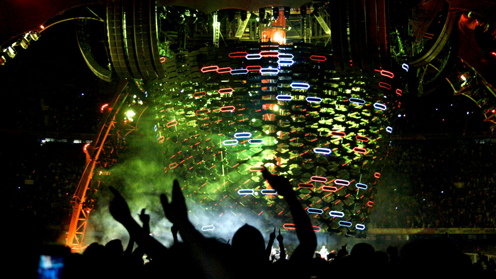 Luke Halls Studio — U2 – 360º World Tour